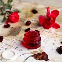 Gel à la rose pour le contour des yeux
