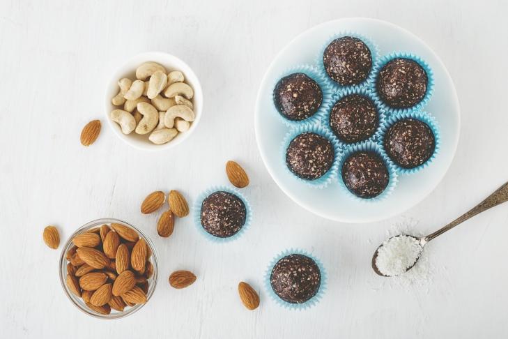 Energy balls au cacao et à la noix de coco
